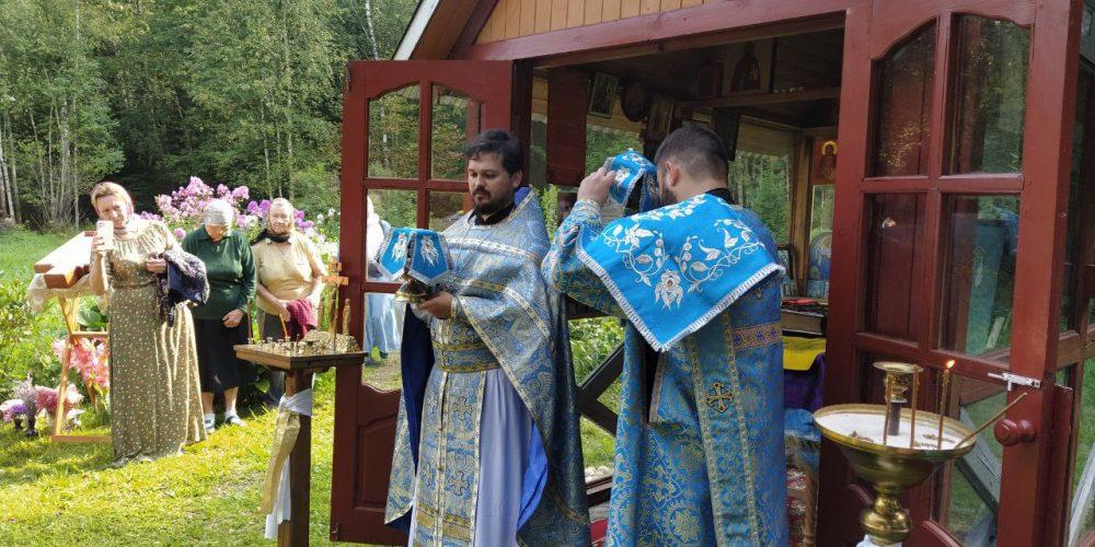 В Безобразово состоялась миссионерская Божественная литургия
